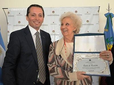 Carlotto visitó Echeverría para firmar un convenio sobre derechos del niño